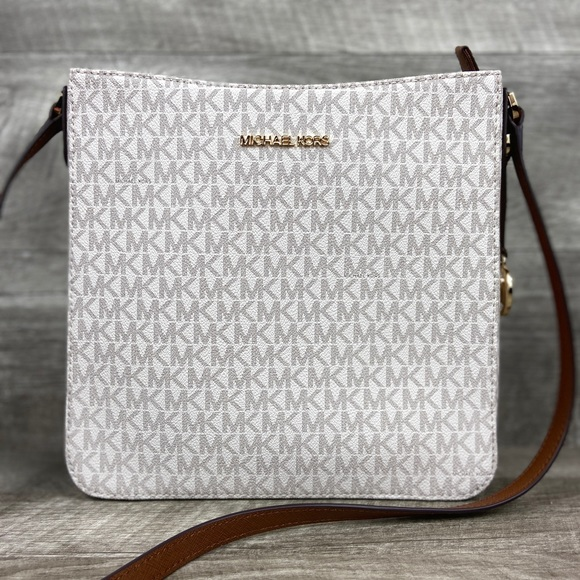 Michael Kors Handbags - Michael Kors LG Crossbody Messenger Bag Vanilla